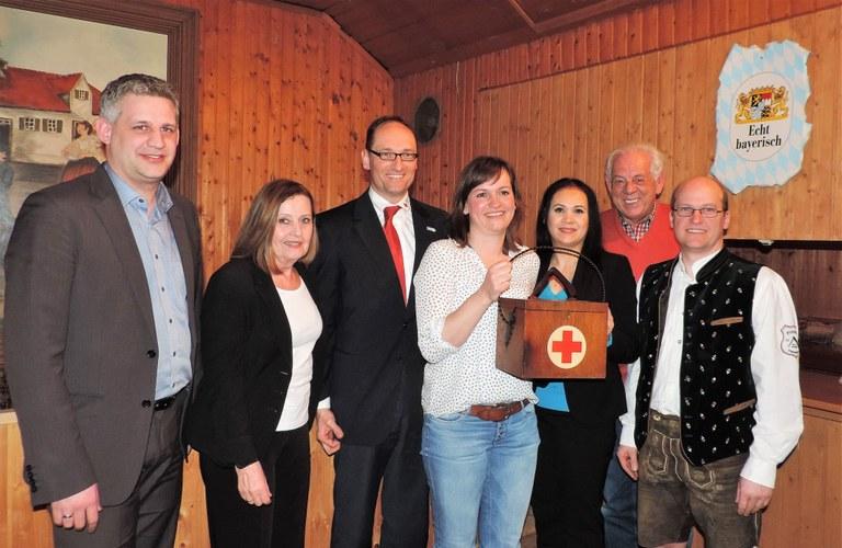 v.l: Christian Blatt, Angelika Kniesl, Bernhard Seidenath, Simone Steiner, Diana Tielman, Rudolf Stauß und Gerhard Beck
